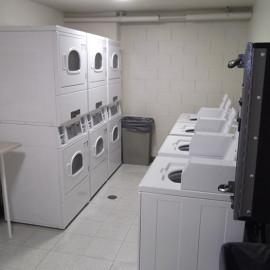 Laundry Room 75-2